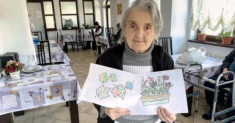 O doamna talentata la desen